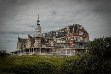 Hotel am Strand in Zeeland