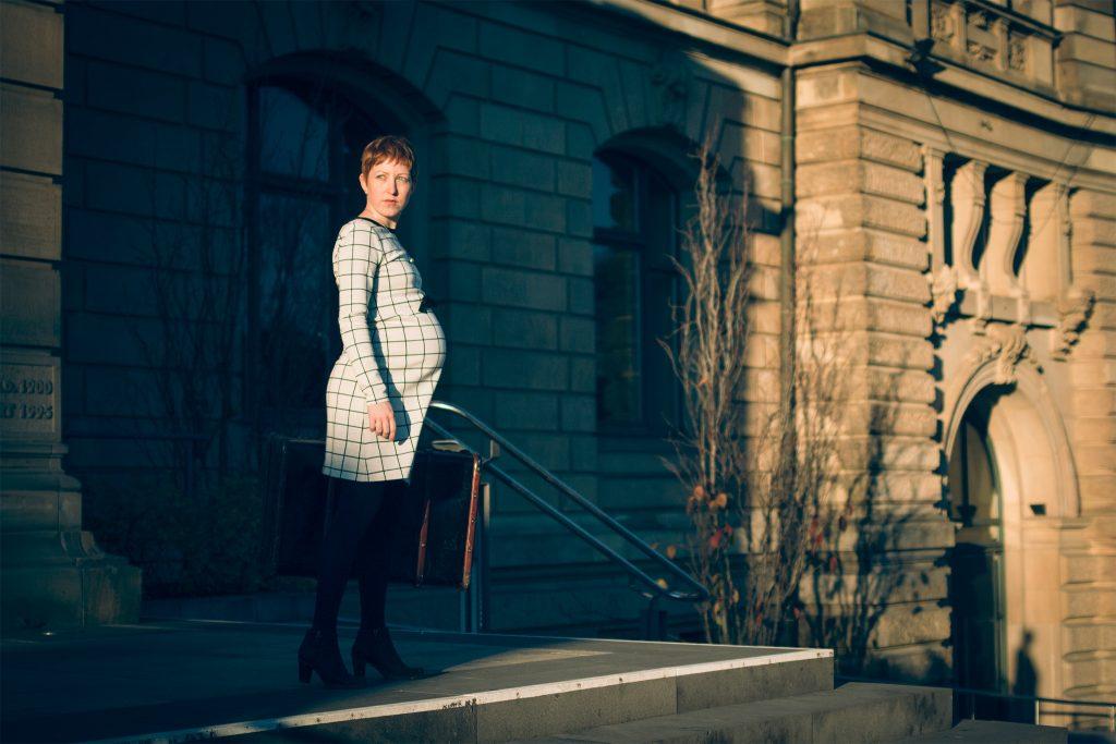 Rosemary vor dem Bramford 2