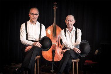 Swingtime - Claus und Frank vor dem Kontrabass