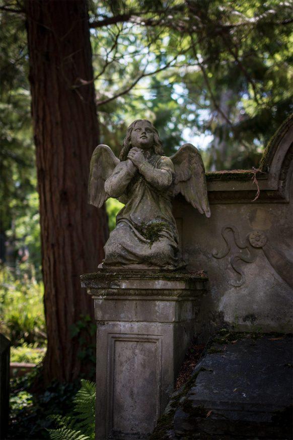Kleiner Friedhofsengel auf dem alten Friedhof in Bonn